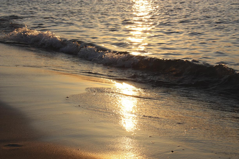 Auringonlasku ja ranta